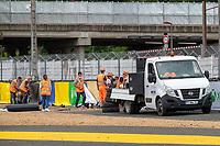 Barrier repair, 24 Hours of Le Mans , Free Practice 1, Circuit des 24 Heures, Le Mans, Pays da Loire, France