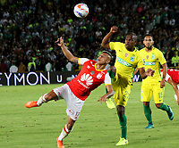 BOGOTA -COLOMBIA, 9-07-2017.Juan Roa (L)player of Independiente Santa Fe fights the ball agaisnt of Edwin Valencia (R)  player of Atletico Nacional during match for the date 1 of the Aguila League II 2017 played at Nemesio Camacho El Campin stadium . Photo:VizzorImage / Felipe Caicedo  / Staff