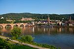 Europa, DEU, Deutschland, Baden-Wuerttemberg, Heidelberg, Blick ueber den Neckar auf die Altstadt, Architektur, Haeuser, Altbauten, Immobilien, Architektonisch, Architekturstil, Bauwerk, Bauwerke, Gebaeude, Historisch, Architekturfoto, Architekturphoto, Architekturfotografie, Architekturphotographie, Wasser, Wasserwirtschaft, Trinkwasser, Trinkwassergewinnung, Trinkwasserversorgung, Wasserversorgung, <br /> <br /> [Fuer die Nutzung gelten die jeweils gueltigen Allgemeinen Liefer-und Geschaeftsbedingungen. Nutzung nur gegen Verwendungsmeldung und Nachweis. Download der AGB unter http://www.image-box.com oder werden auf Anfrage zugesendet. Freigabe ist vorher erforderlich. Jede Nutzung des Fotos ist honorarpflichtig gemaess derzeit gueltiger MFM Liste - Kontakt, Uwe Schmid-Fotografie, Duisburg, Tel. (+49).2065.677997, ..archiv@image-box.com, www.image-box.com]
