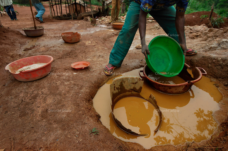 People even pan for gold along the streets.  This gold camp about 13KM outside reserve toward Mombasa.
