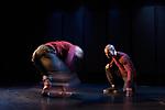 Duo en sol majeur<br /> <br /> Chorégraphie : Christine Coudun<br /> avec Adilson Horta de Sousa et François Kaleka<br /> Compagnie Black Blanc Beur<br /> Cadre : Nuit de la danse 2017<br /> Date : 29/04/2017<br /> Lieu : Centre Mandapa<br /> Ville : Paris