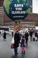 (Oslo, Norway. Dec 9, 2009) Greenpeace hot air balloon. Outside Oslo Town Hall, where US president Barack Obama will receive Nobel Peace Prize on Dec 10 2009.