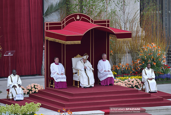 Pope Francis During the Easter Mass  in St. Peter's Square, at the Vatican. 21 April 2019