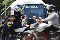 SÃO PAULO, SP, 18.03.2020 - COVID-19-SP - População utiliza máscara para evitar o contágio do novo Coronavírus (COVID-19), na região da Avenida Paulista, em São Paulo, nesta quarta-feira, 18. (Foto Charles Sholl/Brazil Photo Press/Folhapress)