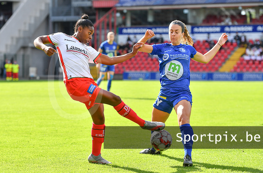 Essevee's Esther Buabadi pictured in a fight for the ball with Gent's Elise Meijerinck (23)   during a female soccer game between Zulte Waregem and the KAA Gent Ladies on the fourth matchday of the 2020 - 2021 season of Belgian Scooore Womens Super League , saturday 10 October 2020  in Waregem , Belgium . PHOTO SPORTPIX.BE | SPP | DAVID CATRY