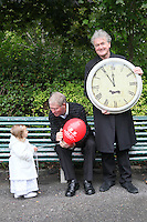 """NO REPRO FEE. World Alzheimer Day launch. 2 year old Ava O Donnell, RTE presenter Micheál O'Muircheartaigh and Fair City's Bryan Murray are pictured in Merrion Square Dublin to discuss a landmark report entitled """"Dementia: It's time for action!"""" to mark  World Alzheimer's Day 21 September. Picture James Horan /Collins Photos"""