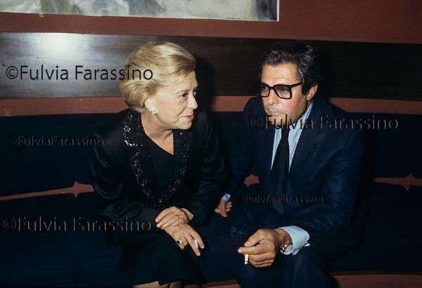 """Giulietta masina e marcello Mastroianni alla presentazione milanese del film """"la Nave Va""""<br /> Milano  1983- 1984"""