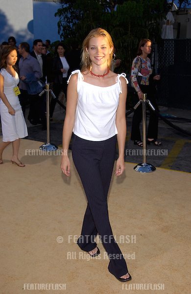 Actress AMY SMART at the Hollywood premiere of Austin Powers in Goldmember..22JUL2002.  © Paul Smith / Featureflash