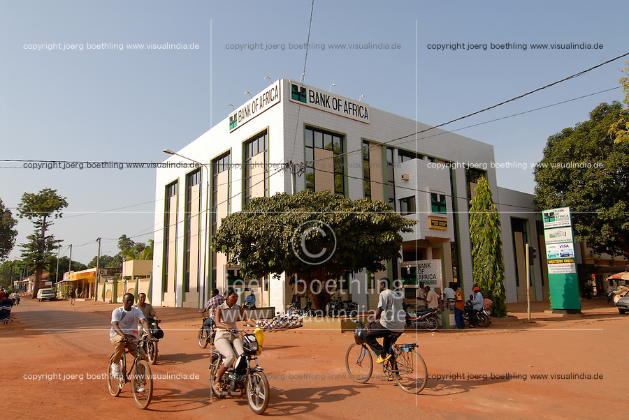 Burkina Faso Bobo-Dioulasso Bank of Africa , in den westafrikanischen Staaten gibt es die Gemeinschaftswaehrung CFA Franc / Burkina Faso , Bank of Africa in Bobo-Dioulasso , west african countries have the CFA Franc as currency union