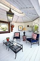 beach style sitting room