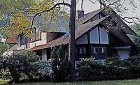 F.L. Wright: Hickox House. 687 So. Harrison, Kankakee, Ill. 1900.