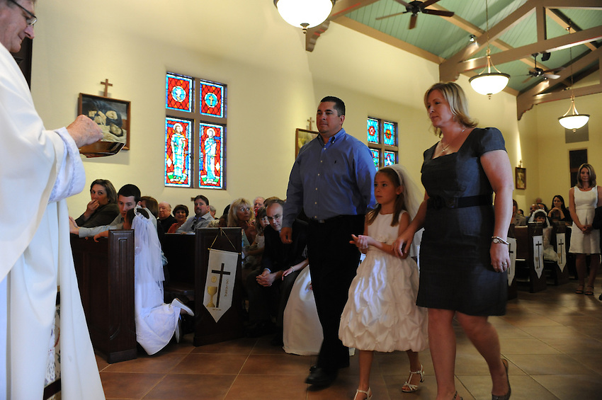 Holy Spirit School second graders' First Communion, Holy Spirit Catholic Church, Sacramento, CA, Saturday, May 14, 2011. (photo by Pico van Houtryve)