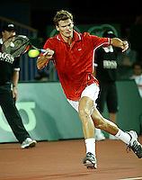 20030919, Zwolle, Davis Cup, NL-India, Sjeng Schalken in his winning match against Amritraj