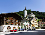 Oesterreich, Salzburger Land, Pongau, Grossarl mit Pfarrkirche im Grossarltal | Austria, Salzburger Land, region Pongau, comunity Grossarl with parish church at valley Grossarltal
