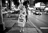 - New York, propaganda of evangelical preachers in Times Square<br /> <br /> - New York, propaganda di predicatori evangelici in Times Square