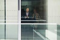 Dr. Peter Tauber, Parlamentarischer Staatssekretaer im Verteidigungsministerium, CDU, waehrend einer ausserordentlichen Sitzung der Fraktion nachdem es zwischen der CDU und der CSU zum Streit ueber den Umgang mit Fluechtlingen gab. Die Sitzung des Deutschen Bundestag wurde aufgrund dieses Streit auf Antrag der CDU/CSU-Fraktion fuer mehrere Stunden unterbrochen. Die Fraktionen von CDU und CSU tagten getrennt.<br /> Rechts im Bild: Armin Schuster, CSU, Vorsitzender des Amri-Untersuchungsausschuss.<br /> 14.6.2018, Berlin<br /> Copyright: Christian-Ditsch.de<br /> [Inhaltsveraendernde Manipulation des Fotos nur nach ausdruecklicher Genehmigung des Fotografen. Vereinbarungen ueber Abtretung von Persoenlichkeitsrechten/Model Release der abgebildeten Person/Personen liegen nicht vor. NO MODEL RELEASE! Nur fuer Redaktionelle Zwecke. Don't publish without copyright Christian-Ditsch.de, Veroeffentlichung nur mit Fotografennennung, sowie gegen Honorar, MwSt. und Beleg. Konto: I N G - D i B a, IBAN DE58500105175400192269, BIC INGDDEFFXXX, Kontakt: post@christian-ditsch.de<br /> Bei der Bearbeitung der Dateiinformationen darf die Urheberkennzeichnung in den EXIF- und  IPTC-Daten nicht entfernt werden, diese sind in digitalen Medien nach ß95c UrhG rechtlich geschuetzt. Der Urhebervermerk wird gemaess ß13 UrhG verlangt.]
