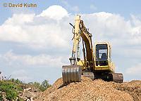 0713-1106  Backhoe (back actor, rear actor), Excavating Equipment  © David Kuhn/Dwight Kuhn Photography