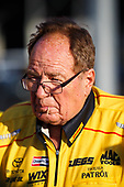 NHRA Mello Yello Drag Racing Series<br /> NHRA Carolina Nationals<br /> zMAX Dragway, Concord, NC USA<br /> Sunday 16 September 2017 Doug Kalitta, Mac Tools, top fuel dragster, victory, celebration, Connie Kalitta<br /> <br /> World Copyright: Mark Rebilas<br /> Rebilas Photo