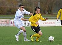 SCT Menen - Olsa Brakel :<br /> duel tussen Tibo Vandendriessche (R) en Bernd De Coene (L)<br /> <br /> Foto VDB / Bart Vandenbroucke