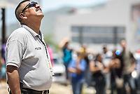 Chaires, Chaides, polica municipal<br /> <br /> Suicida intenta quitarse la vida tratando de tirarse desde lo alto de un espectacular publicitario en Solidaridad y Progreso. Rescatado por bomberos de Hermosillo<br /> <br /> pclaves: homless, sin hogar, pobreza, salvado, safe, rescue