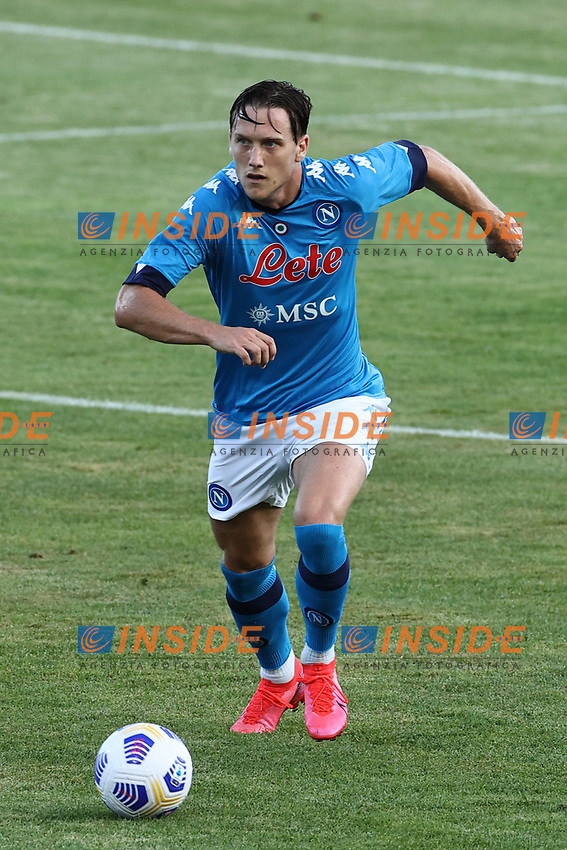 Piotr Zielinski of SSC Napoli in action during the friendly football match between SSC Napoli and Castel di Sangro Cep 1953 at stadio Patini in Castel di Sangro, Italy, August 28, 2020. <br /> Photo Cesare Purini / Insidefoto