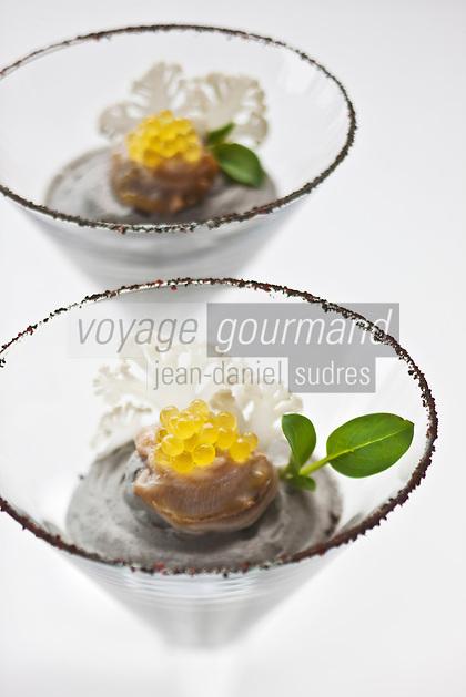 Europe/France/Bretagne/29/Finistère/Carantec:    Cocktail mousseux d'huitres Cadoret aux œufs de truite de l'Argoat Recette de Patrick Jeffroy  -  Restaurant: Patrick Jeffroy - Hôtel de Carantec