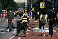 07.09.2019 - Movimentação na avenida Paulista em SP