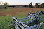 Rail fence on the battlefield at Manassas National Battlefield Park, Virginia, USA. Here the two armies engaged for the first time in the Civil War, costing nearly 900 lives. In August 1862 they fought here again, resulting in 3,300 soldiers killed.