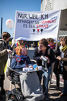 Am am Donnerstag den 21. April 2016 machten ca. 80 Menschen mit Behinderung, ihre Assistenzkraefte und Unterstuetzer einen Flashmob auf dem Berliner Alexanderplatz um fuer eine gerechte Teilhabe am gesellschaftlichen Leben zu protestieren. Sie forderten die Umsetzung der Behindertenrechtskonvention der Vereinten Nationen im Rahmen des verprochenen Bundesteilhabegesetzes und die Gewaehrung von Unterstuetzung bei Teilhabe, Assistenz und Pflege unabhaengig von Einkommen und Vermoegen des Menschen mit Behinderung und deren Partner und Partnerinnen.<br /> 21.4.2016, Berlin<br /> Copyright: Christian-Ditsch.de<br /> [Inhaltsveraendernde Manipulation des Fotos nur nach ausdruecklicher Genehmigung des Fotografen. Vereinbarungen ueber Abtretung von Persoenlichkeitsrechten/Model Release der abgebildeten Person/Personen liegen nicht vor. NO MODEL RELEASE! Nur fuer Redaktionelle Zwecke. Don't publish without copyright Christian-Ditsch.de, Veroeffentlichung nur mit Fotografennennung, sowie gegen Honorar, MwSt. und Beleg. Konto: I N G - D i B a, IBAN DE58500105175400192269, BIC INGDDEFFXXX, Kontakt: post@christian-ditsch.de<br /> Bei der Bearbeitung der Dateiinformationen darf die Urheberkennzeichnung in den EXIF- und  IPTC-Daten nicht entfernt werden, diese sind in digitalen Medien nach §95c UrhG rechtlich geschuetzt. Der Urhebervermerk wird gemaess §13 UrhG verlangt.]