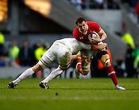 Photo: Richard Lane/Richard Lane Photography. England v Wales. 25/02/2012. Wales' Sam Warburton attacks.