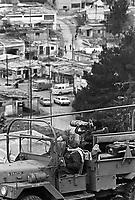 - Israeli soldiers check from the top a refugees camp near the Nablus town in the occupied Palestinian territories....- militari israeliani controllano dall'alto un campo profughi nei pressi della città di Nablus nei territori occupati Palestinesi