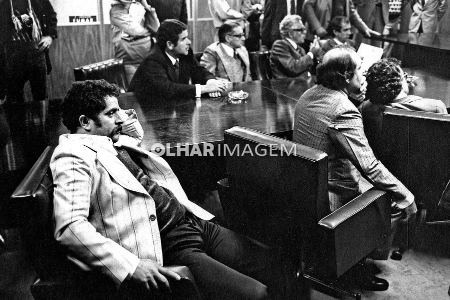 Lula com empresários na Justiça do Trabalho. SP. 1979. Foto de Juca Martins.