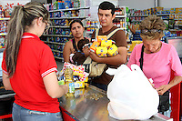 CUCUTA - COLOMBIA - 20 - 012 - 2016: After remaining closed since December 12, the border between Colombia and Venezuela was closed by decision of Nicolas Maduro, President of Venezuela. Thousands of Venezuelan citizens crossed Colombia through pedestrian crossings, reopened after eight days of closure due to a monetary collapse, some looking for food and medicine, others visiting their families for Christmas and New Year. Photo: VizzorImage / Manuel Hernandez / Cont.