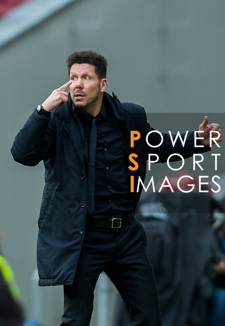 Coach Diego Simeone of Atletico de Madrid reacts during the La Liga 2017-18 match between Atletico de Madrid and Girona FC at Wanda Metropolitano on 20 January 2018 in Madrid, Spain. Photo by Diego Gonzalez / Power Sport Images