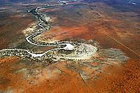 Sandsturm AFRIKA, NAMIBIA: Der Nossob  ist ein Rivier in der Kalahari, im Südosten Namibias in Botswana und Südafrika. Er erstreckt sich über eine Länge von 740 Kilometer und führte zuletzt 1989 Wasser.