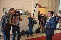 """1. Sitzungstag des Berliner """"Amri-Untersuchungsausschuss"""".<br /> Am Freitag den 14. Juli 2017 konstituierte sich der sogenannte """"Amri-Untersuchungsausschuss des Berliner Abgeordnetenhaus. Der 1. Untersuchungsausschuss der 18. Wahlperiode will versuchen die diversen Unklarheiten im Fall des Weihnachtsmarkt-Attentaeters zu klaeren.<br /> Im Bild: Marcel Luthe, Obmann und Sprecher der FDP im Ausschuss beim Interview.<br /> 14.7.2017, Berlin<br /> Copyright: Christian-Ditsch.de<br /> [Inhaltsveraendernde Manipulation des Fotos nur nach ausdruecklicher Genehmigung des Fotografen. Vereinbarungen ueber Abtretung von Persoenlichkeitsrechten/Model Release der abgebildeten Person/Personen liegen nicht vor. NO MODEL RELEASE! Nur fuer Redaktionelle Zwecke. Don't publish without copyright Christian-Ditsch.de, Veroeffentlichung nur mit Fotografennennung, sowie gegen Honorar, MwSt. und Beleg. Konto: I N G - D i B a, IBAN DE58500105175400192269, BIC INGDDEFFXXX, Kontakt: post@christian-ditsch.de<br /> Bei der Bearbeitung der Dateiinformationen darf die Urheberkennzeichnung in den EXIF- und  IPTC-Daten nicht entfernt werden, diese sind in digitalen Medien nach §95c UrhG rechtlich geschuetzt. Der Urhebervermerk wird gemaess §13 UrhG verlangt.]"""