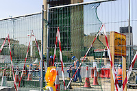 QATAR, Doha, Musheireb, construction boom for FIFA football world cup 2022 , the construction is done by migrant workers from all over the world / KATAR, Doha, Bauboom fuer die FIFA Fußball WM 2022/ KATAR, Doha, Bauboom fuer die FIFA Fußball WM 2022, auf den Baustellen schuften Gastarbeiter aus aller Welt