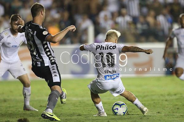 Santos (SP), 3.11.2019 - Santos-Botafogo - O jogador Soteldo em lance do gol. Partida entre Santos e Botafogo valida pela 30. rodada do Campeonato Brasileiro neste domingo (3) no estadio da Vila Belmiro em Santos.