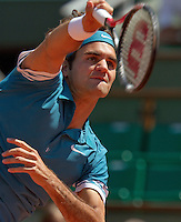 24-05-10, Tennis, France, Paris, Roland Garros, First round match,  Roger Federer