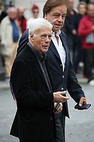 DANIEL AUCLAIRE, GUY BEDOS - ASSISTE A LA CEREMONIE RELIGIEUSE EN HOMMAGE A JEAN ROCHEFORT A L'EGLISE SAINT-THOMAS D'AQUIN DANS LE 7EME ARRONDISSEMENT DE PARIS, FRANCE, LE 13/10/2017.