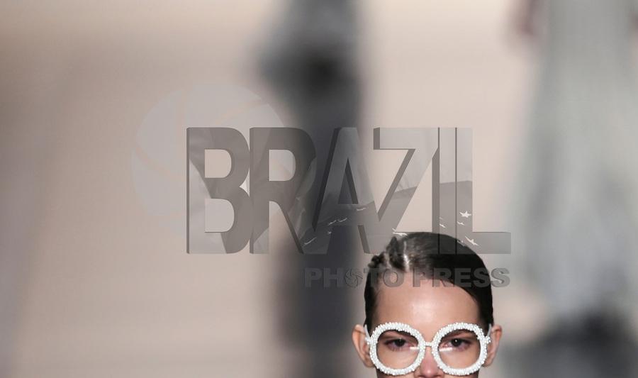SAO PAULO, SP, 19 MARÇO 2013 - SPFW - AQUASTUDIO - Desfile da grife Aquastudio no segundo dia da São Paulo Fashion Week, coleção Primavera-Verão na Bienal do Ibirapuera, zona sul de São Paulo, nesta terça-feira, 19. (FOTO: WILLIAM VOLCOV / BRAZIL PHOTO PRESS).
