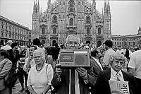 Manifestazione del Movimento Sociale Italiano MSI. Simboli del fascismo, Registrazione comizio di Gianfranco Fini