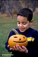 HS24-321z  Pumpkin - boy with jack-o-lantern