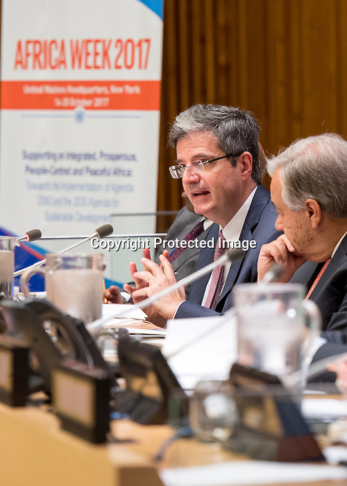 """High-level inaugural event on """"Supporting an Integrated, Prosperous, People-Centred and Peaceful Africa: Towards the Implementation of Agenda 2063 and the 2030 Agenda for Sustainable Development"""" (A/RES/71/254) <br /> (co-organized by the African Union Permanent Observer Mission, the Office of the Special Adviser on Africa (OSAA), the Economic Commission for Africa (ECA), the Department of Public Information (DPI), the New Partnership for Africa's Development (NEPAD) Planning and Coordinating Agency and the African Peer Review Mechanism)<br /> Remarks by the Secretary-General"""
