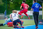 GER - Mannheim, Germany, April 28: During the men field hockey 1. Bundesliga match between Mannheimer HC (red) and Duesseldorfer HC (white) on April 28, 2018 at Am Neckarkanal in Mannheim, Germany. Final score 5-3. (Photo by Dirk Markgraf / www.265-images.com) *** Local caption *** Lennard Leist #80 of Duesseldorfer HC, Linus Mueller #5 of Duesseldorfer HC, Danny Nguyen #22 of Mannheimer HC