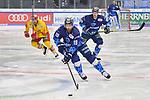 Brett Findlay (Nr.19 - ERC Ingolstadt) vor Alexander Barta (Nr.29 - Duesseldorfer EG) und Hans Detsch (Nr.89 - ERC Ingolstadt) beim Spiel in der DEL, ERC Ingolstadt (dunkel) - Duesseldorfer EG (hell).<br /> <br /> Foto © PIX-Sportfotos *** Foto ist honorarpflichtig! *** Auf Anfrage in hoeherer Qualitaet/Aufloesung. Belegexemplar erbeten. Veroeffentlichung ausschliesslich fuer journalistisch-publizistische Zwecke. For editorial use only.