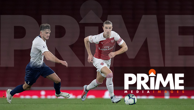 Ben Sheaf of Arsenal & Troy Parrott of Tottenham Hotspur during the Premier League 2 match between Arsenal U23 and Tottenham Hotspur U23 at the Emirates Stadium, London, England on 31 August 2018. Photo by Andy Rowland.