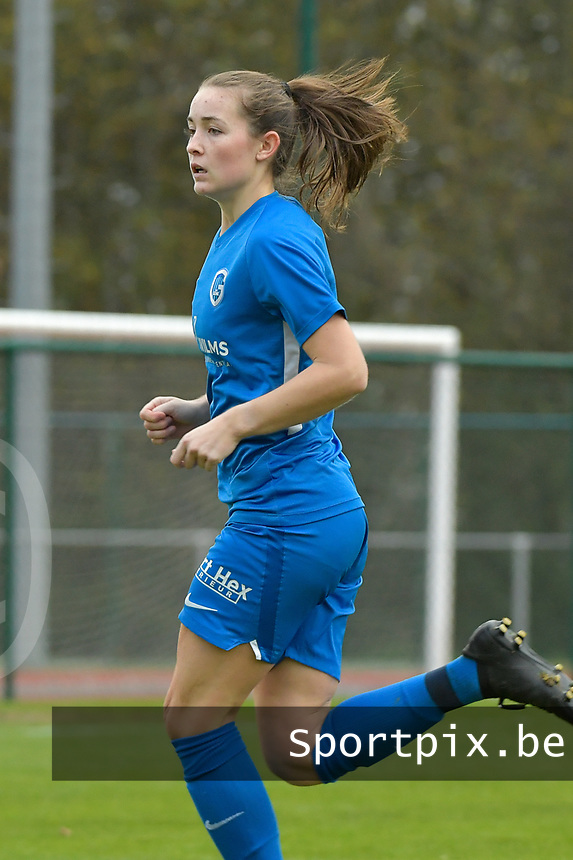 Genk's defender Sterre Gielen pictured during a female soccer game between SV Zulte - Waregem and KRC Genk on the 8 th matchday of the 2020 - 2021 season of Belgian Scooore Women s SuperLeague , saturday 21 th of November 2020  in Zulte , Belgium . PHOTO SPORTPIX.BE | SPP | DIRK VUYLSTEKE