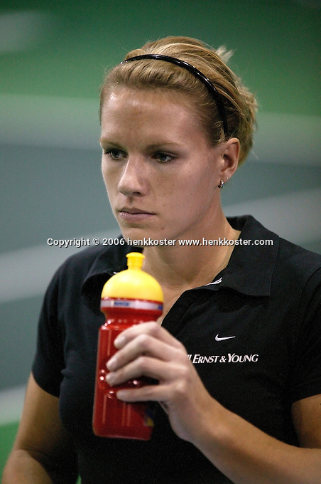 18-11-06,Amsterdam, Tennis, Wheelchair Masters, Esther Vergeer in concentration