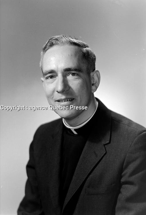 Pere Maurice Couture au Campus du Seminaire de Saint-Augustin-de-Desmaures<br /> le 28 mars 1967.<br /> <br /> Plus tard il fut eveque de la ville de Quebec<br /> <br /> Photographe : Lefaivre & Desroches<br /> - Agence Quebec Presse
